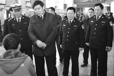 鹤壁市政府副市长督导检查春运道路交通安全管理工作
